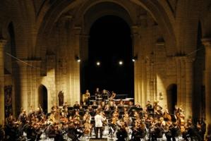 L'Orchestre des Champs-Élysées © Michel Garnier.