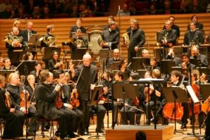 Paavo Jarvi  et l'Orchestre de Paris © J.-B. Pellerin.