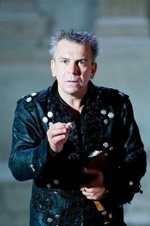 "Philippe Torreton dans ""Hamlet"" © Andy Parant"