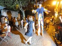 Un spectacle de rue pendant le Festival Off, Avignon 2011 © Jean Grapin
