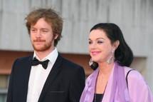 Anny Duperey et son fils Gaël lors de la dernière (?) cérémonie des Molières en avril 2011 © Gil Chauveau.