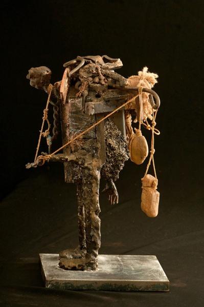 Sculpture Le Fardeau de Jean-Philippe Rosemplatt © Méghane Dumas.