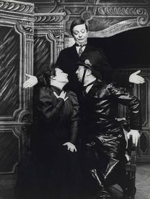 """Photographie anonyme noir et blanc de """"La Cantatrice chauve"""" © BnF, dpt des Arts du spectacle."""