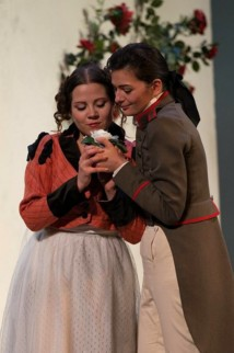 Ilona Krzywicka et Marianne Crebassa © Opéra national de Paris/Mirco Magliocca.