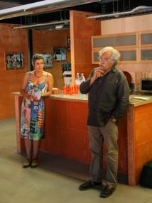 Anne Guiot, directrice de Karwan, et Michel Crespin, fondateur du Festival d'Aurillac, de Lieux Publics et initiateur de La Cité des Arts de la Rue, 2012 © Gil Chauveau.