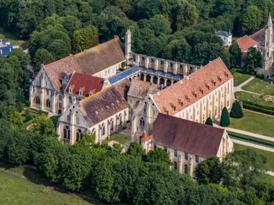 Abbaye de Royaumont 2017 © Drone Aerofilms.