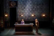 """Gilles Cohen et Jacques Tresse dans """"Hughie"""" © Julien Piffaut."""