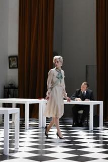 """Le """"Tartuffe"""" de Bondy n'hésite pas à amplifier les postures de la tradition moliéresque"""