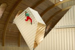 """""""Origami"""" de Satchie Noro et Sylvain Ohl, un des spectacles présentés le 1er août © Philippe Laurent."""
