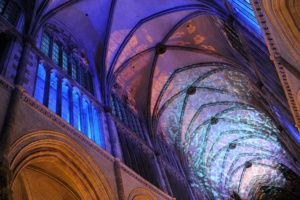 Mise en lumière à l'intérieur de la Cathédrale de Saint-Omer, le 19 © Pascal Brunet.