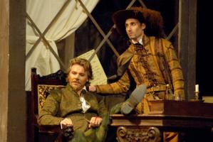 """Avec Roberto Alagna dans """"Cyrano de Bergerac"""" © DR."""