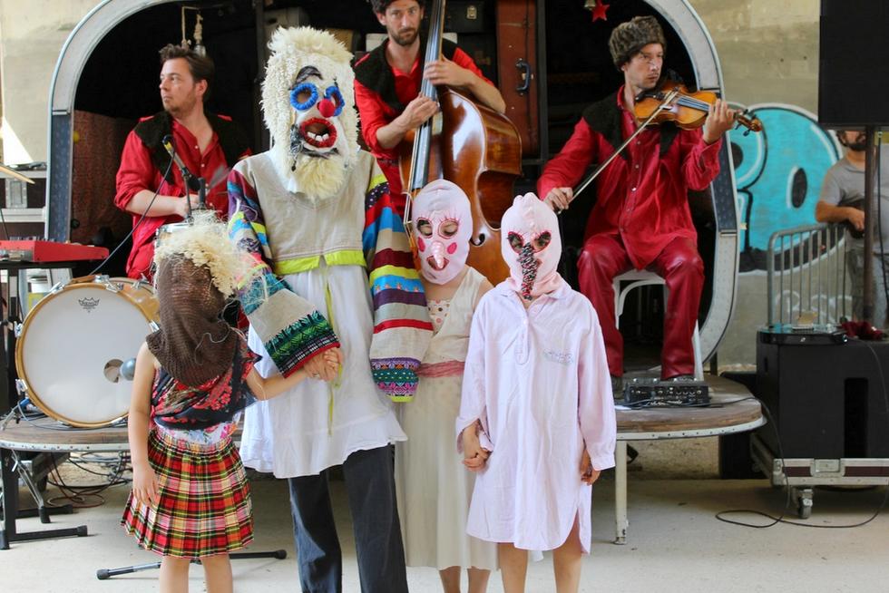 """""""La danse des sauvages"""" du Théâtre des Monstres © DR."""