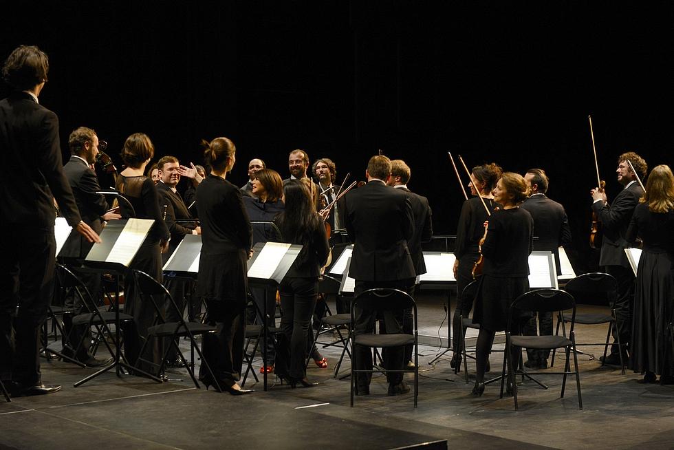 Claire Gibault (au centre) et le PMO © Gilles Mermet.