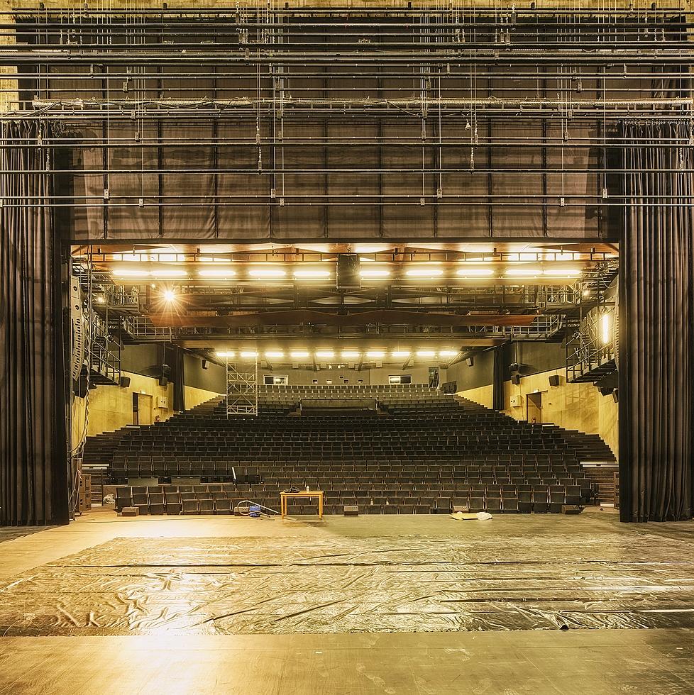 La grande salle © Benjamin Chelly.