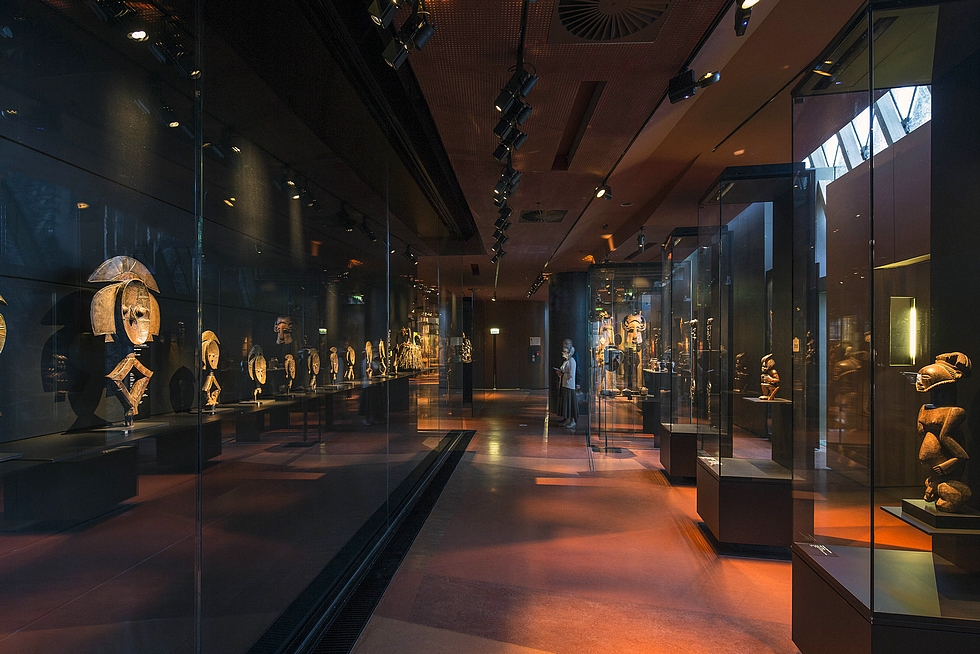 Musée du quai Branly. Le plateau des collections. Zone Afrique. Juillet 2014 © Musée du quai Branly - Jacques Chirac, photo Patrick Tourneboeuf.