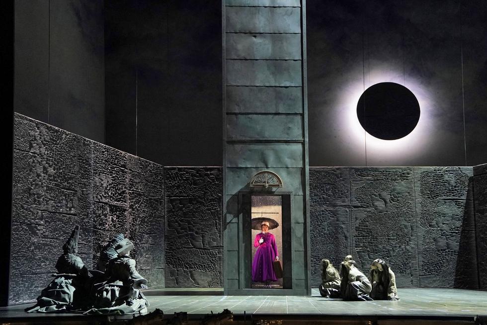 """Eurydice"" © Cory Weaver/The Metropolitan Opera."