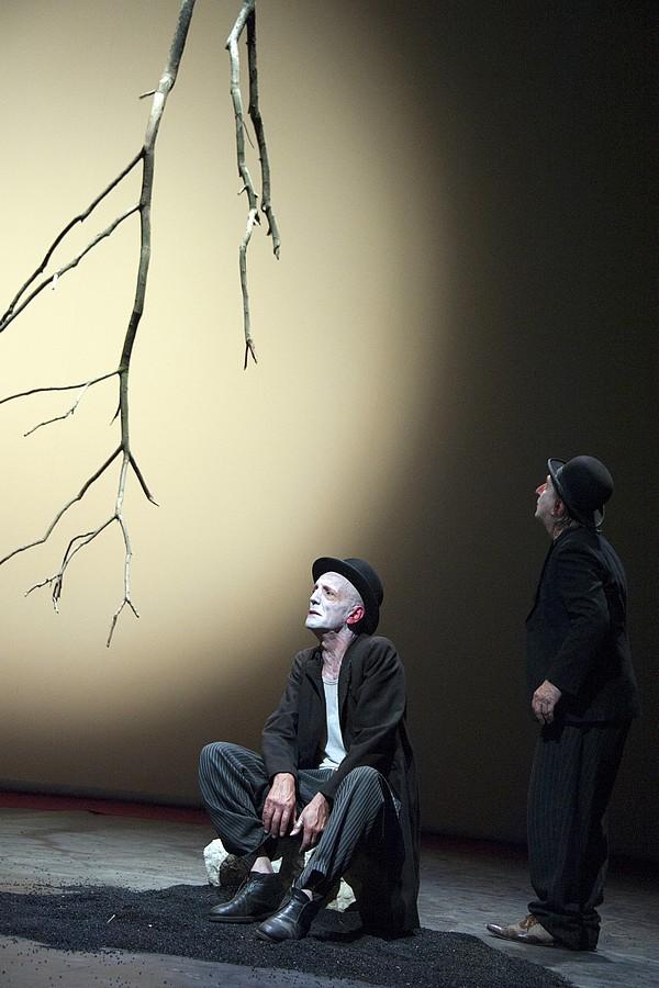 theatreachatillon.com