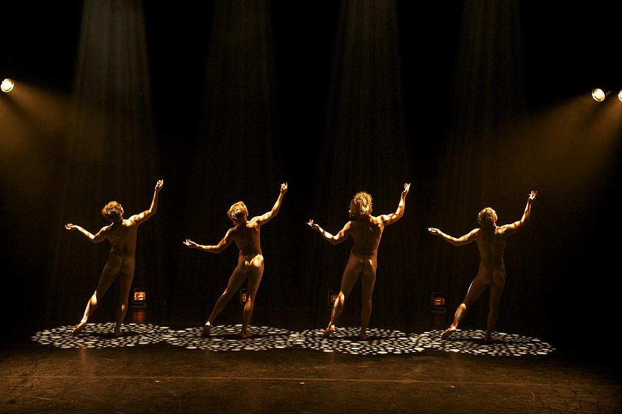 """A Dance Tribute to the Art of Football"", Jo Strømgren Kompani © Knut Bry."