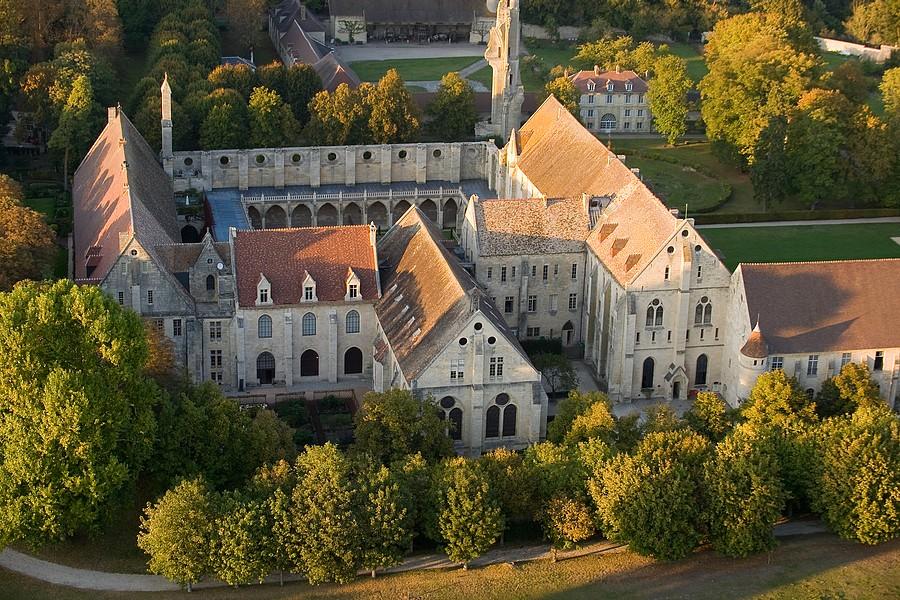 Abbaye de Royaumont © Imagin'Air J.-C. Roy.