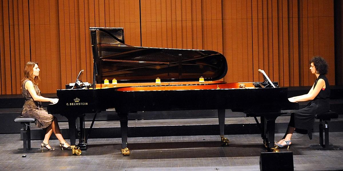 """Les """"Jatekok"""" ou l'art pétillant du piano en duo"""