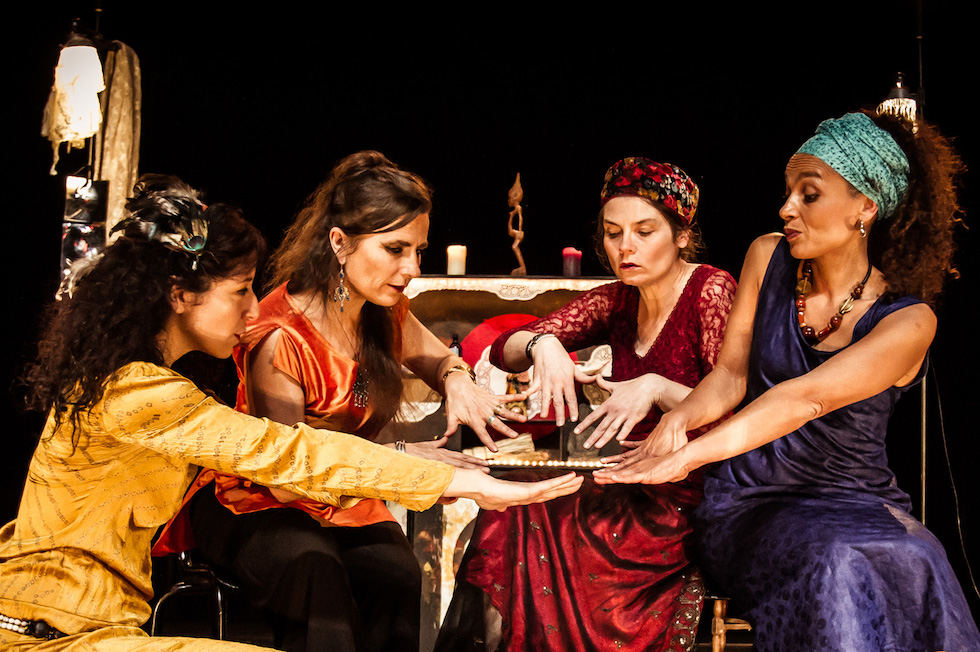 """Le Quartet Buccal, spectacle """"Les Ensorceleuses © Sileks."""