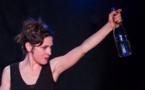 L'Histoire d'une femme, comme une approche d'une danse rituelle caressant le danger