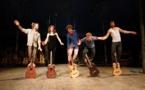 """""""Les Dodos"""" Virtuoses aux agrès comme aux guitares… pour des envolées poétiques et musicales, sensibles et rebelles !"""