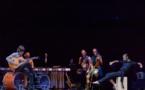 FLA.CO.MEN… Galván tape du pied et fait musique !